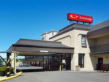 Econo Lodge Newark Airport photo