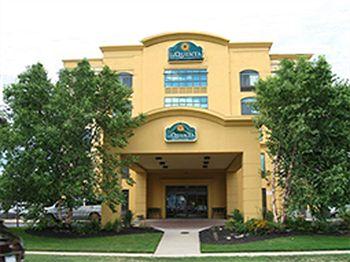 La Quinta Inn Suites Garden City Ny Prix H Tel Photos
