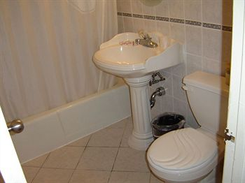 Budget motor inn stony point ny prix h tel photos for Budget salle de bain