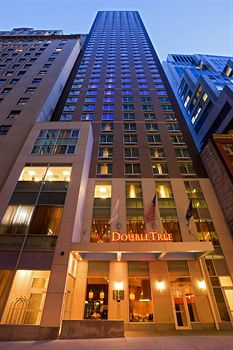 DoubleTree by Hilton Financial District photo